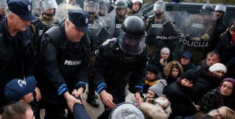 Specijalci deblokirali deponiju Uborak – smeće se dovozi kroz policijski kordon