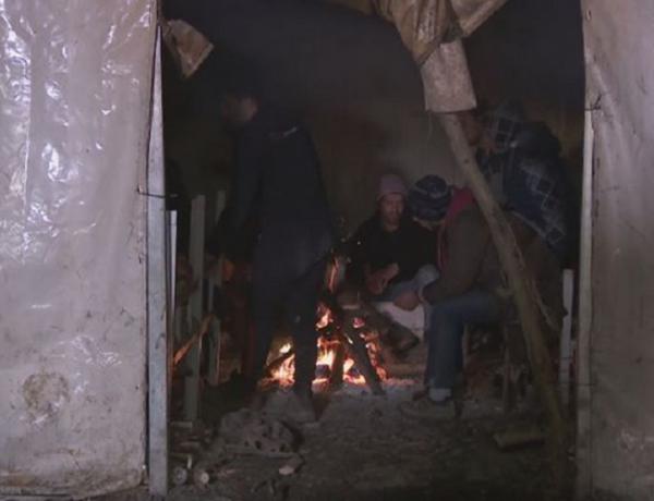 Počeo premještaj migranata iz kampa Vučjak