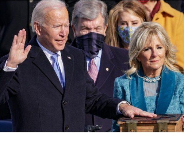 """Joe Biden i Kamala Harris prisegnuli pred sucima Vrhovnog suda: """"Demokracija je pobijedila; Želim ponovno ujediniti Ameriku"""""""